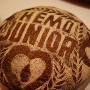 Hemofilici rozzářili už počtvrté Alcron. Jaký byl 4. společenský večer?